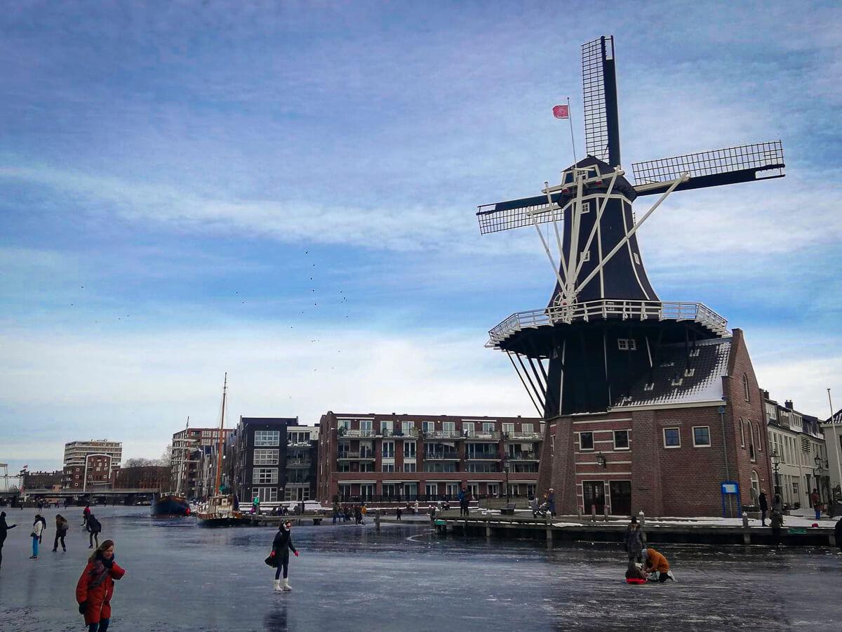 Stedentrip naar Haarlem tijdens de lockdown, Adriaan molen